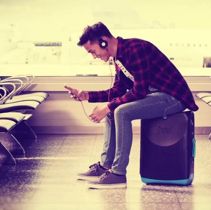 Jurni kovček, ročna prtljaga na kateri se lahko peljete